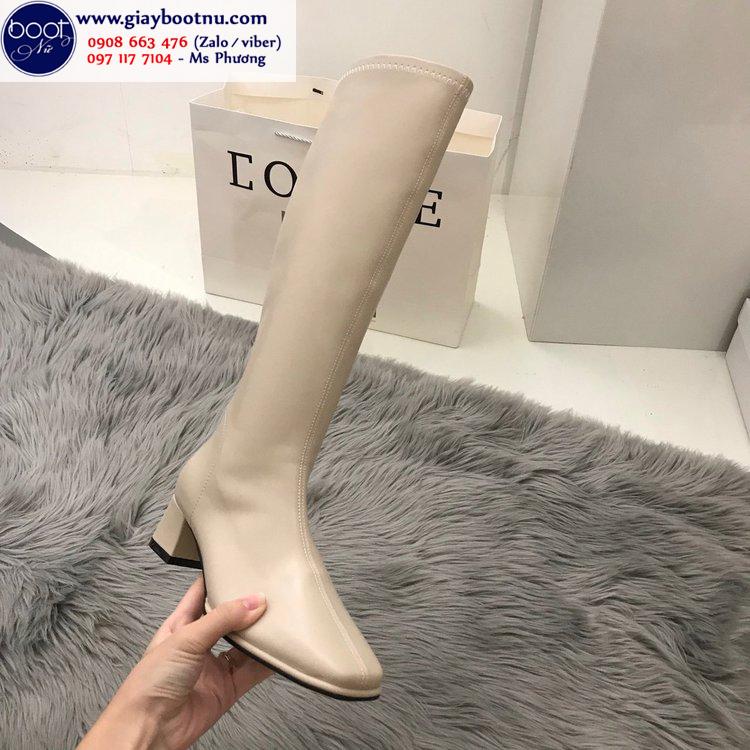 Boot dưới gối ôm chân mũi vuông màu kem sành điệu GCC10702