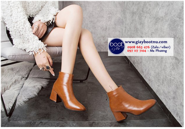 Boot nữ cổ ngắn mũi vuông màu nâu THỜI THƯỢNG GBN4703