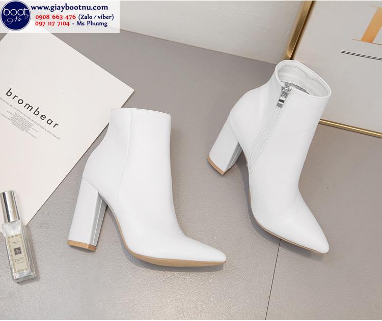 Boot nữ màu trắng 10cm mũi nhọn gót vuông THỜI THƯỢNG GBN5702