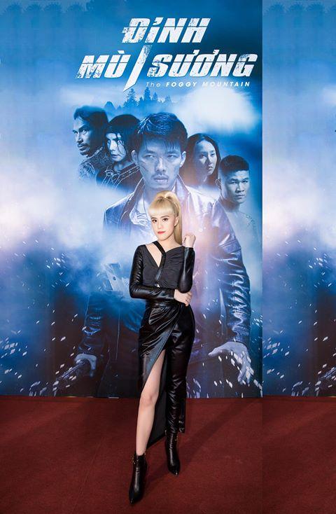 Chị Bảo Trâm Nguyễn sành điệu cùng boot ngắn cao gót GBN59 trong sự dịp công chiếu phim Đỉnh Mù Sương
