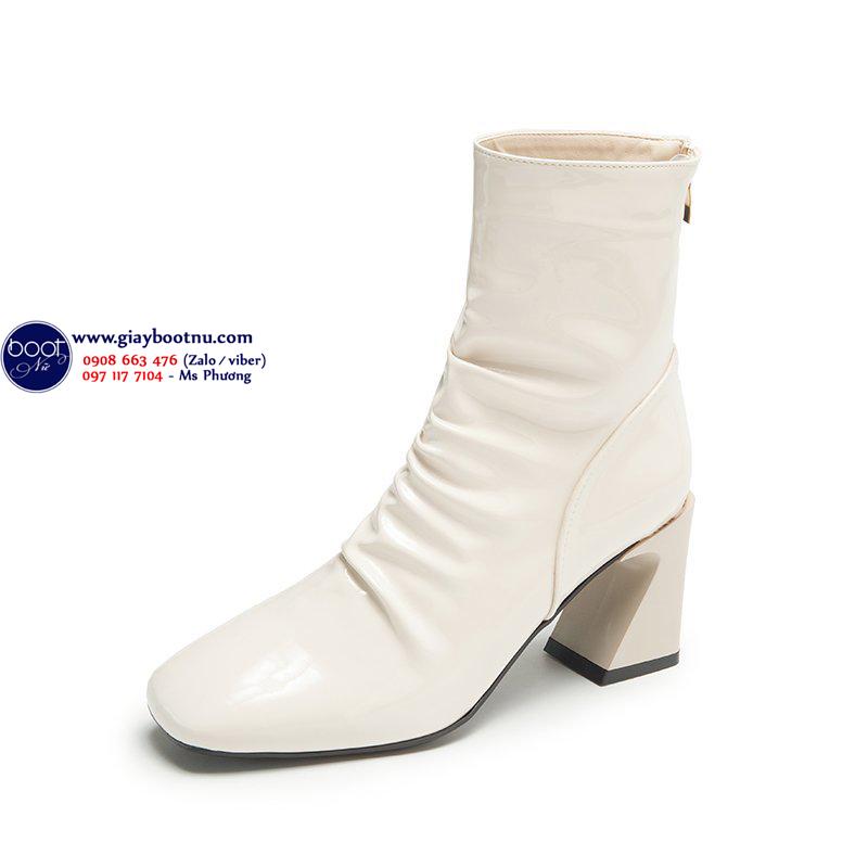 Boot dúng da bóng màu kem THỜI THƯỢNG GBN6502