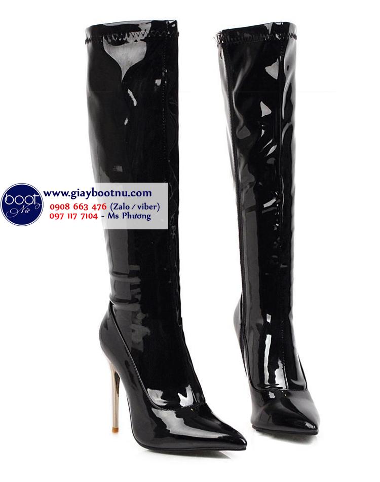 Boot ống cao dưới gối da bóng màu đen gót nhọn GCC2701