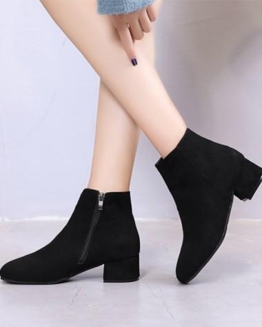 Boot nữ đế trệt đi bộ đơn giản ÊM CHÂN GBN17601